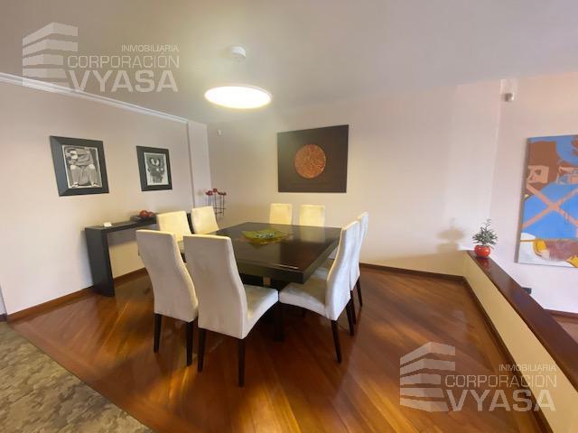 Foto Casa en Venta en  Cumbayá,  Quito  Cumbayá - Vista Grande, casa de venta en Urbanización 473m2
