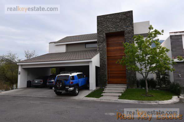 Foto Casa en Venta en  Monterrey ,  Nuevo León  CASA EN VENTA EN SIERRA ALTA, MONTERREY