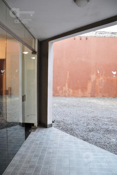 Foto Departamento en Venta en  San Telmo ,  Capital Federal  Tacuarí al 400