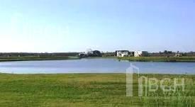 Foto Terreno en Venta en  Marinas,  Puertos del Lago  Lote a la laguna en venta en el barrio Marinas - Puertos del Lago - Escobar