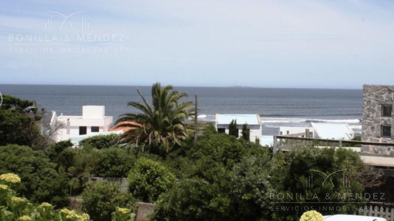 Foto Casa en Venta en  La Barra ,  Maldonado  La Barra, calle Alborada