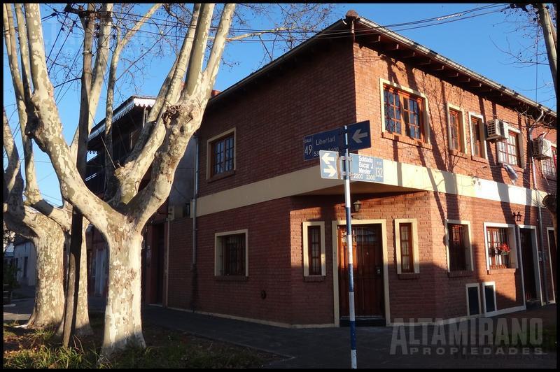 Foto PH en Alquiler en  Villa Ballester,  General San Martin  Pasaje Mesler al 2200 esq. Libertad