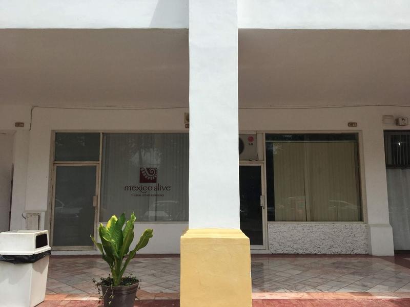 Foto Local en Venta en  Marina Vallarta,  Puerto Vallarta  Marina Vallarta
