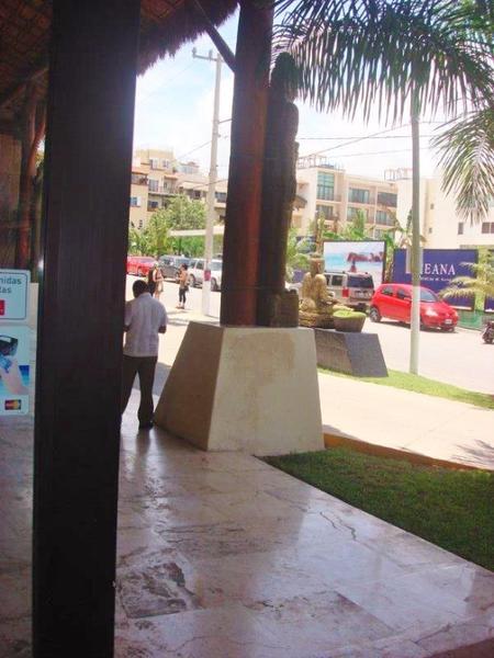 Foto Local en Renta en  Playa del Carmen ,  Quintana Roo  Local comercial en renta en Aldea Thai Playa Del Carmen P1556