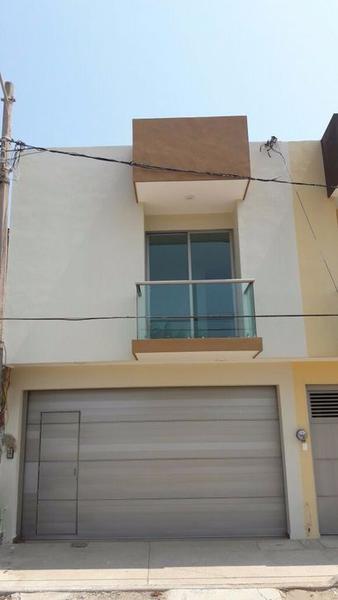 Foto Casa en Renta en  Puerto México,  Coatzacoalcos  Casa Nueva en Renta, Juventino Rosas, Col. Puerto Mexico