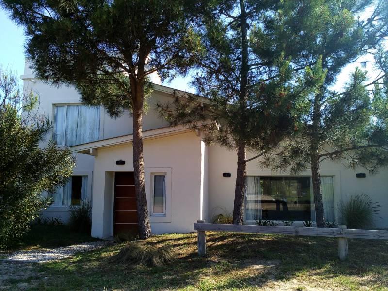 Foto Casa en Alquiler temporario en  Costa Esmeralda,  Punta Medanos  Golf I 566