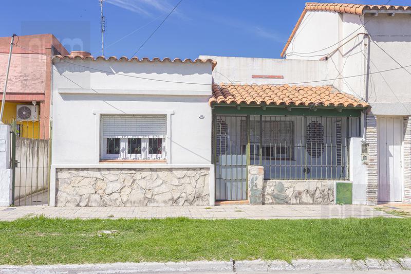 Foto Casa en Venta en  Lomas de Zamora Oeste,  Lomas De Zamora  Laprida 1770