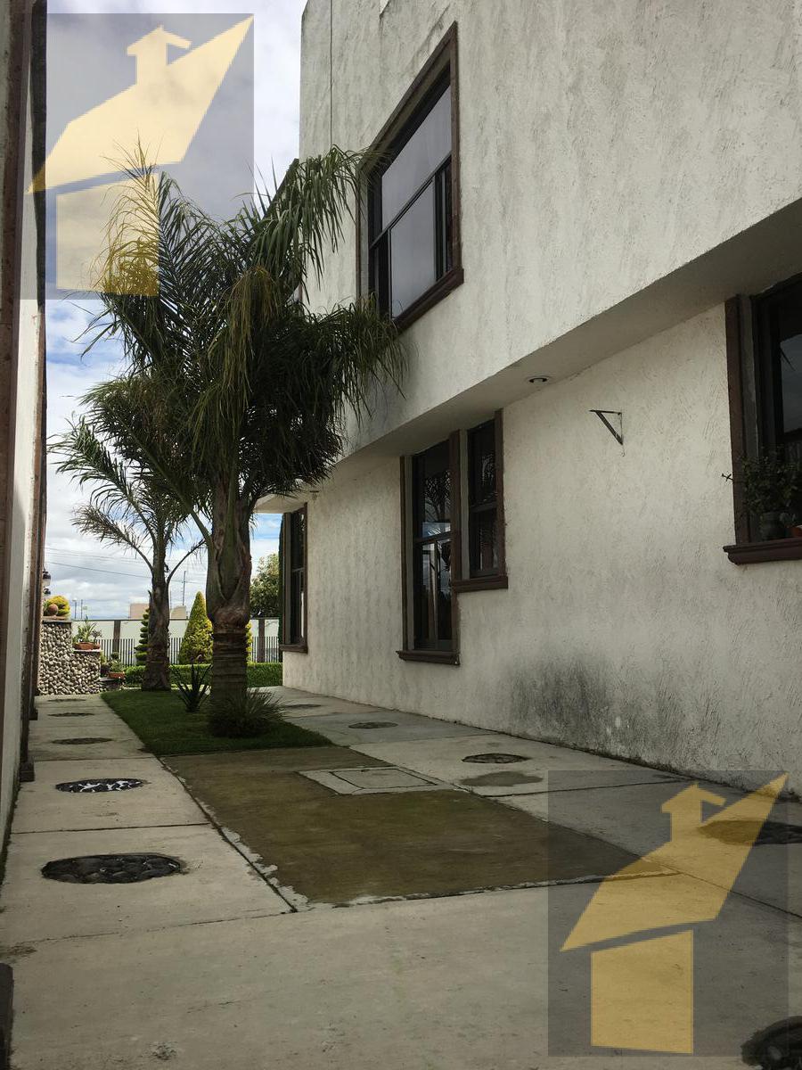 Foto Casa en Venta en  Cacalomacan,  Toluca  Cacalomacan