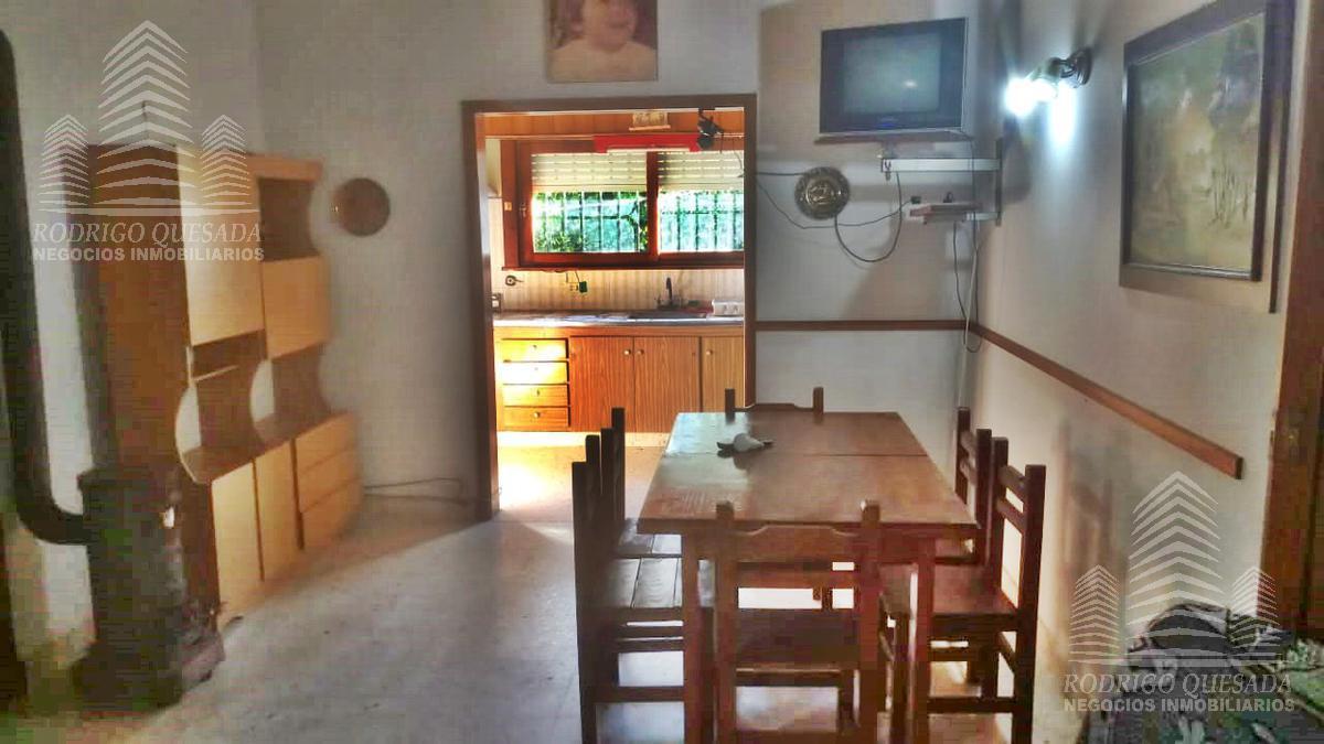 Foto Casa en Venta en  Mar De Ajo ,  Costa Atlantica  CASA EN LOTE PROPIO- EXCELENTE UBICACIÓN
