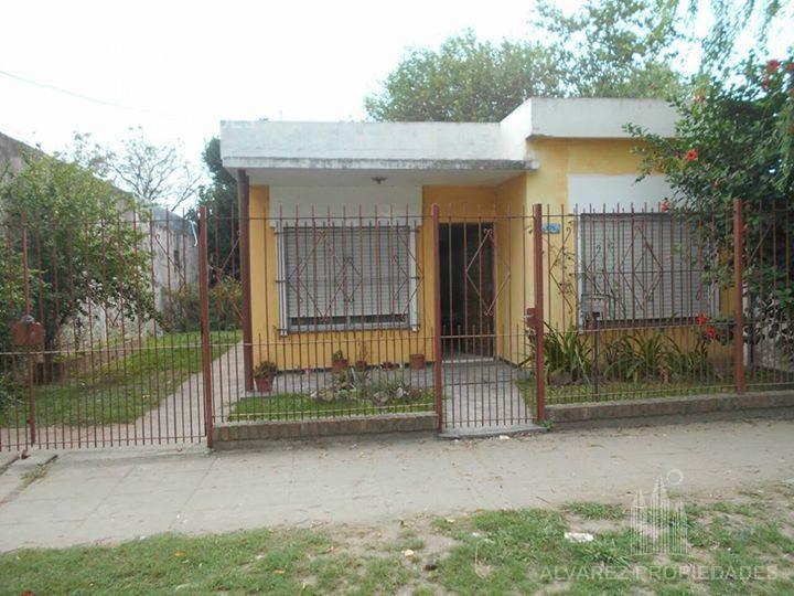 Foto Casa en Venta en  Merlo ,  G.B.A. Zona Oeste  Dessy al 800