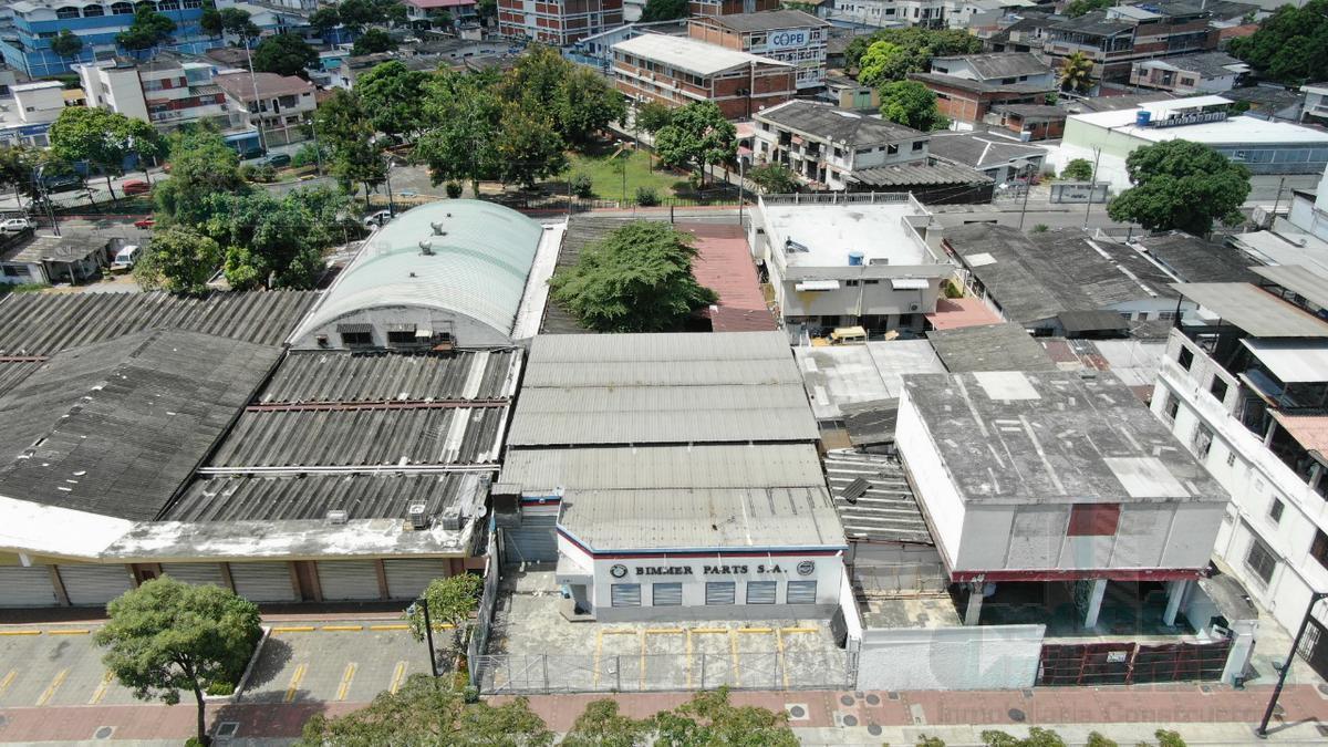 Foto Local en Alquiler en  Norte de Guayaquil,  Guayaquil  ALQUILER DE LOCAL COMERCIAL EN AV. DE LAS AMÉRICAS