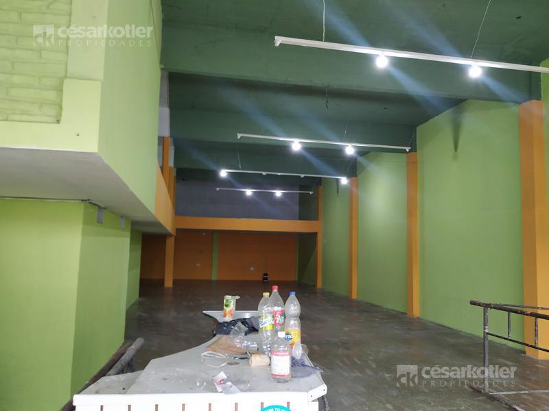 Foto Local en Alquiler en  Lomas de Zamora Este,  Lomas De Zamora  Alsina 2020