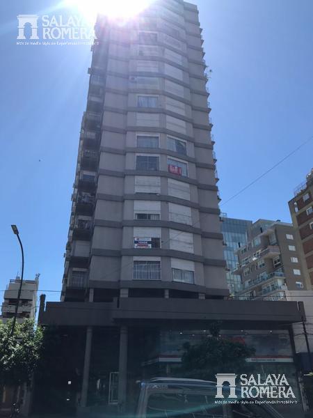 Foto Departamento en Alquiler en  Olivos,  Vicente Lopez  AV DEL LIBERTADOR entre Roque Saenz Peña y Alberdi