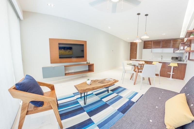 Playa del Carmen Apartment for Sale scene image 0