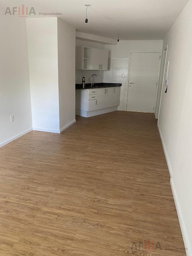 Foto Apartamento en Alquiler en  Pocitos Nuevo ,  Montevideo  Pedro Bustamante 1238, al 100