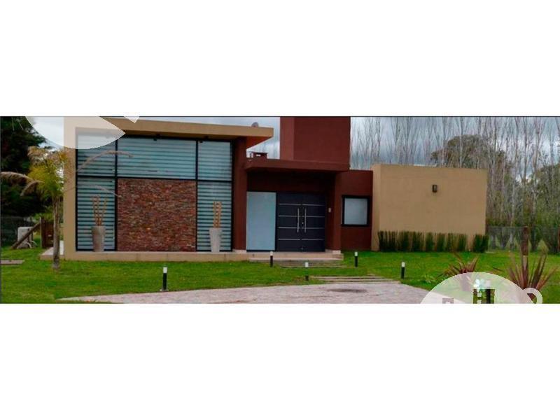 Foto Casa en Venta en  La Plata,  La Plata  Ruta 2 Km 0