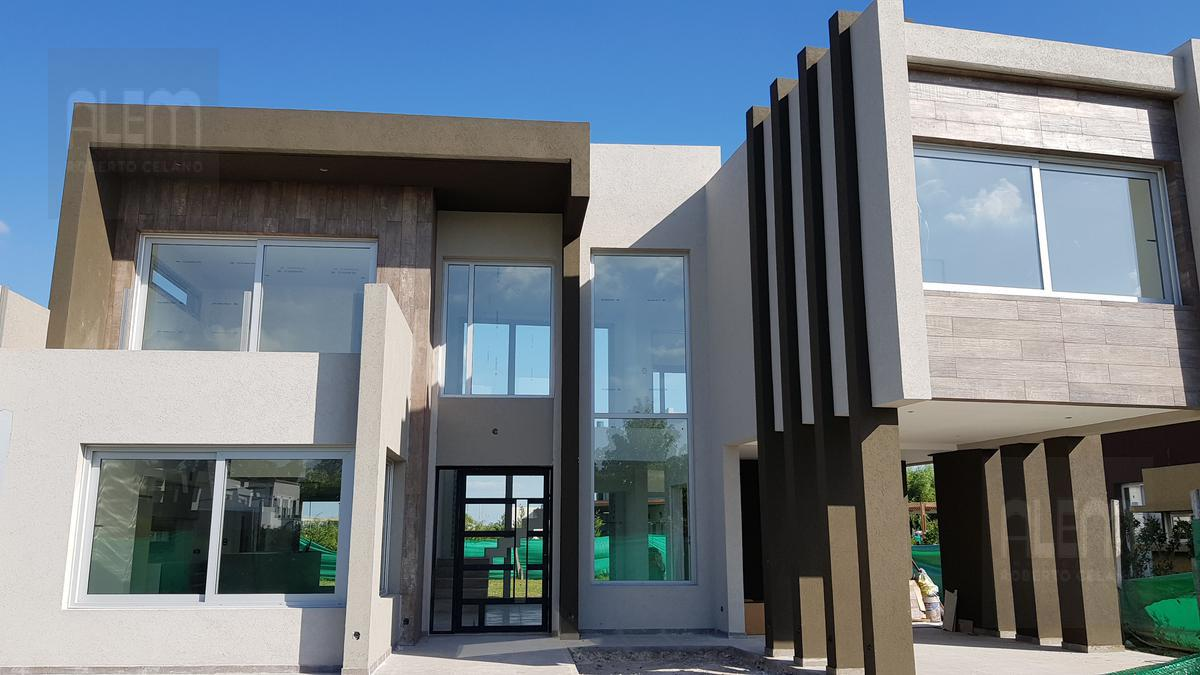 Foto Casa en Venta en  Canning (E. Echeverria),  Esteban Echeverria  Los Naranjos