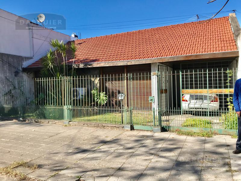 Foto Casa en Venta en  Adrogue,  Almirante Brown  J FRIAS 90