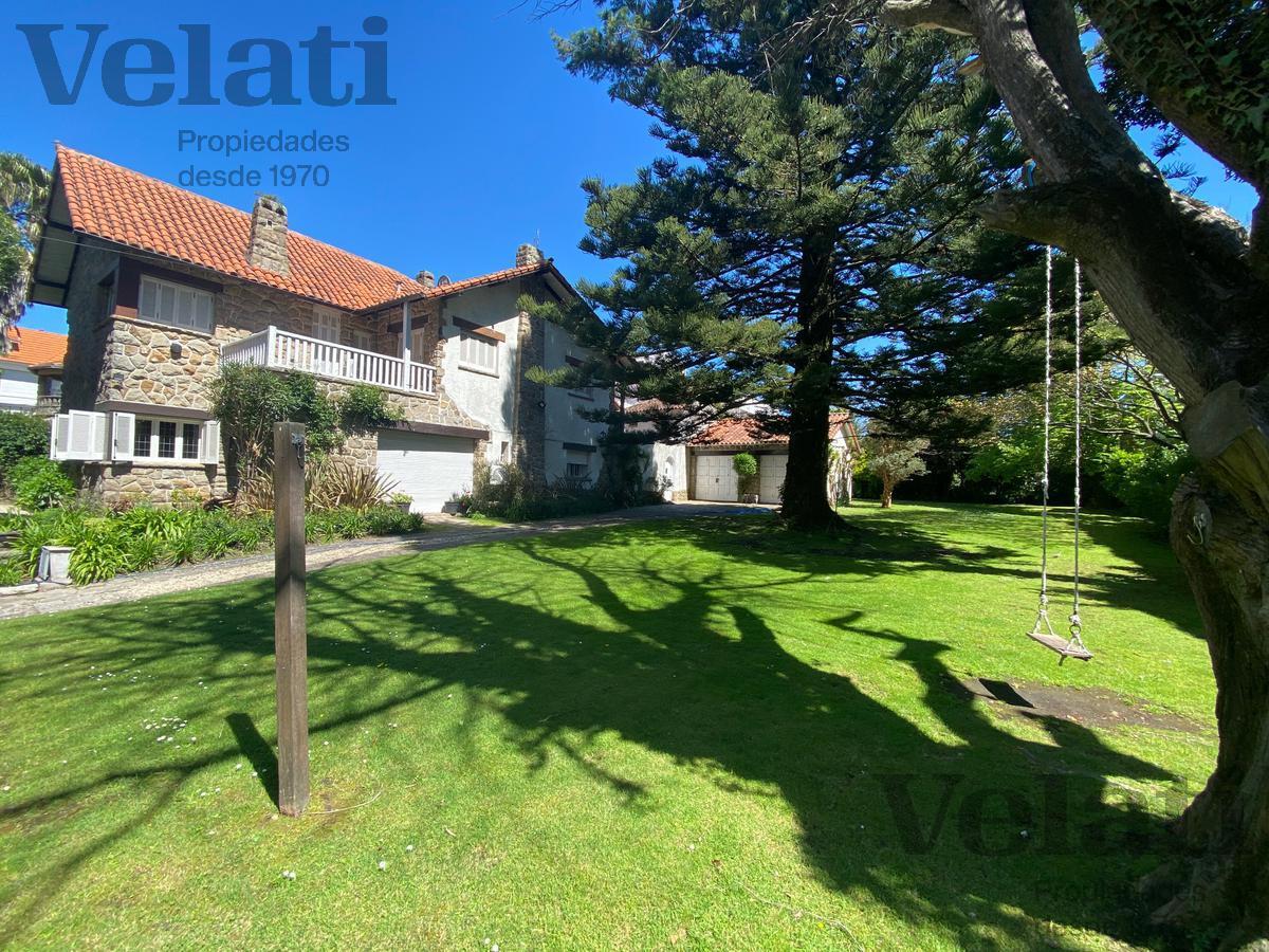 Foto Casa en Alquiler temporario en  Playa Grande,  Mar Del Plata  A. del valle 3065