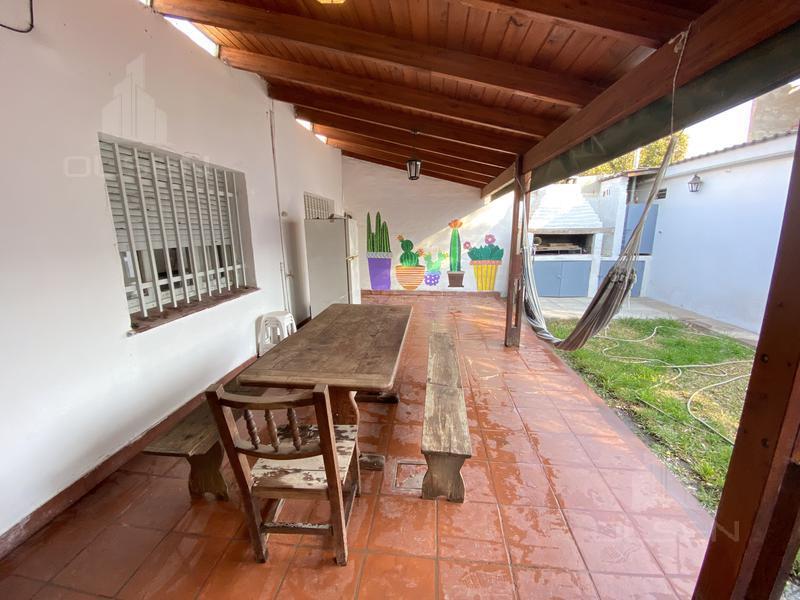 Foto Casa en Venta en  Altos de Vélez Sársfield,  Cordoba Capital  HORACIO MARTINEZ al 3700