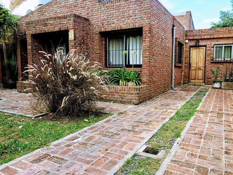 Foto Casa en Venta en  Ituzaingó Norte,  Ituzaingó  Bagnat al 600