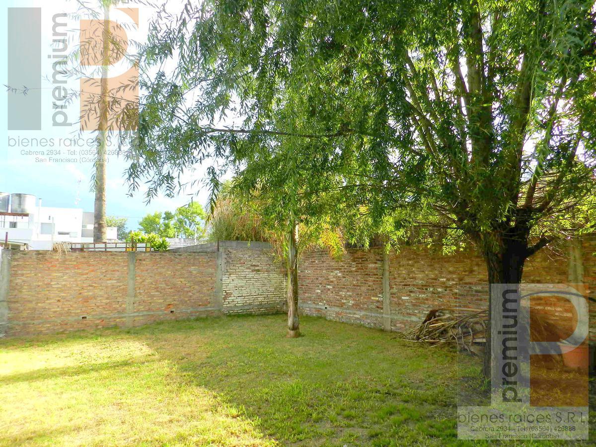 Foto Casa en Venta en  Catedral,  San Francisco  Cabrera al 1000