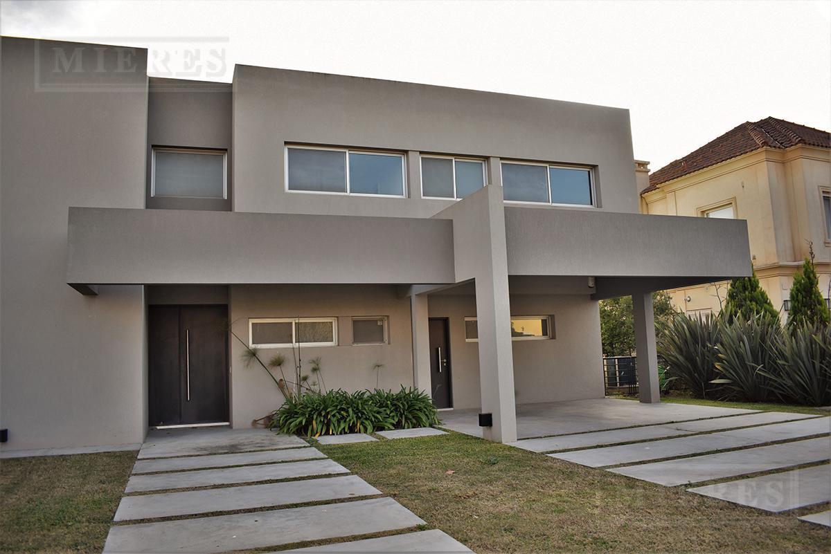 Casa de 360 mts. en La Lomada