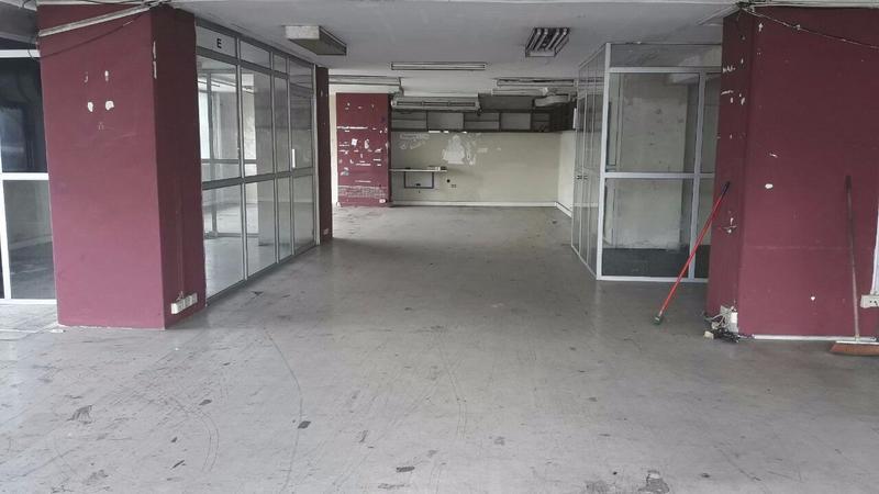 Foto Oficina en Alquiler en  Centro de Guayaquil,  Guayaquil  ALQUILER DE OFICINA ESQUINERA PRIMER PISO