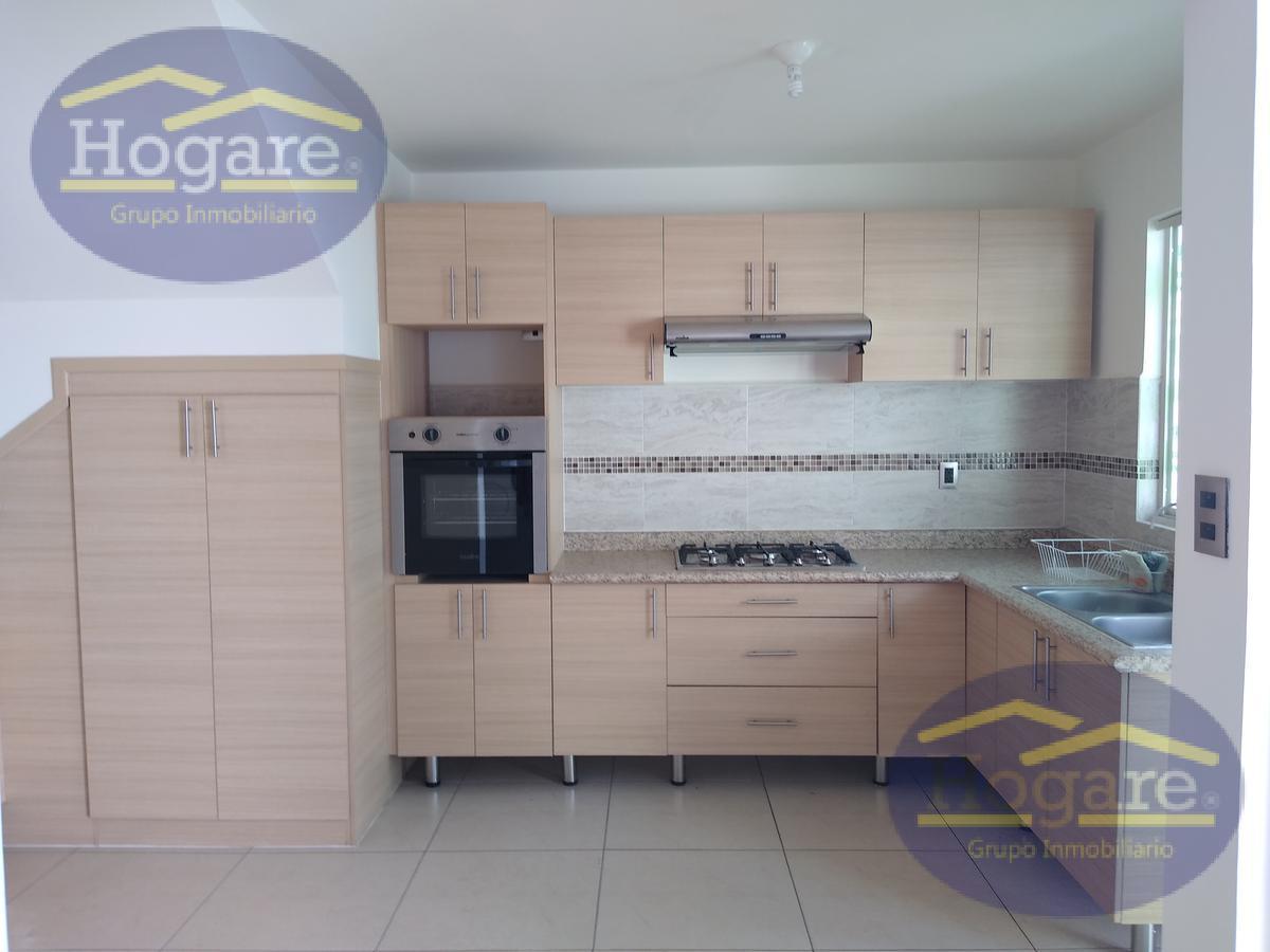 Casa en Renta, dentro de Privasa, Zona Sur, excelente Ubicación en Albazul Residencial, León, Gto.