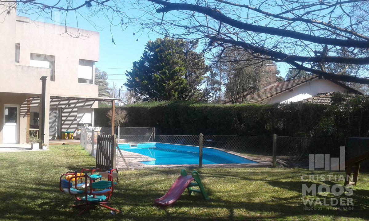 Foto Casa en Venta |  en  Acacias Blancas,  Ingeniero Maschwitz  Ruta 26