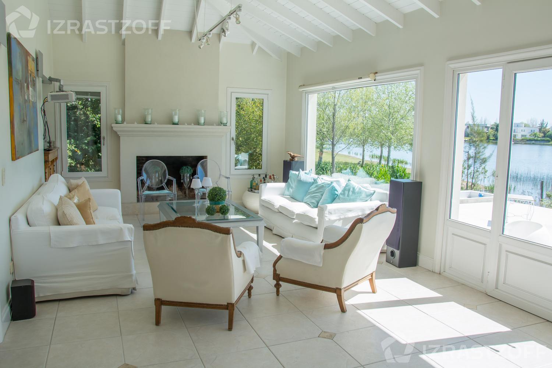Casa--Santa Barbara-SANTA BARBARA