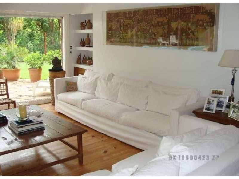 Foto Casa en Alquiler en  Acassuso,  San Isidro  Rivera Indarte al 100