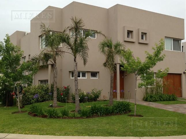 Casa en Los Alisos - Financiada 50%