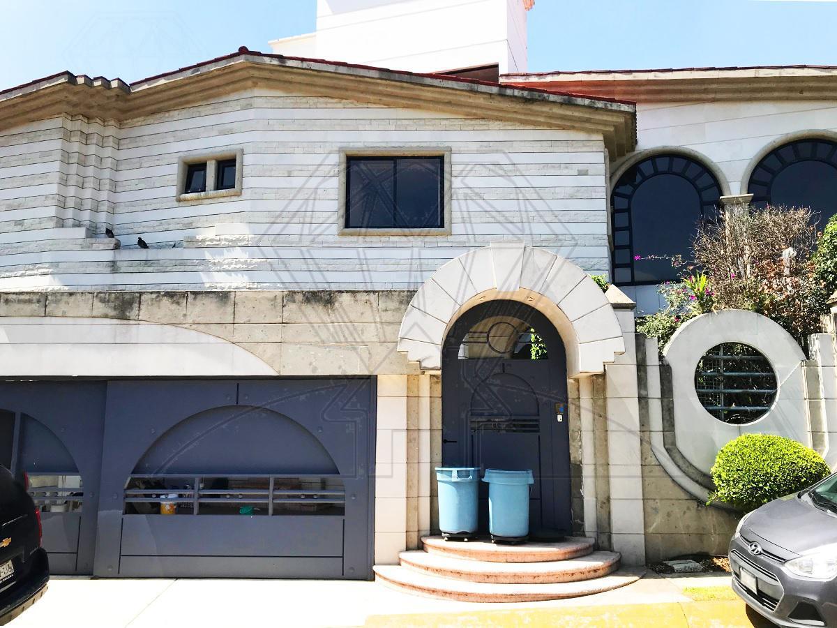 Foto Casa en Venta en  Lomas de las Palmas,  Huixquilucan          Calle  Villa Escorial  casa  para REMODELAR  Lomas de las Palmas (DM)