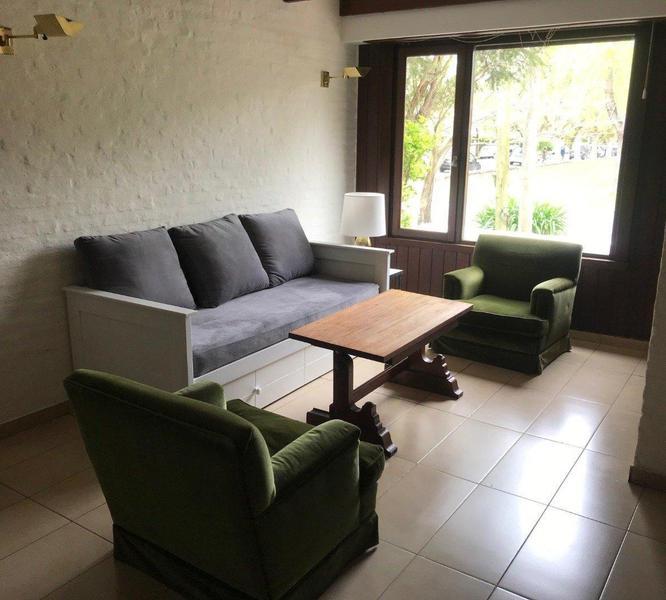 Foto Casa en Alquiler temporario en  Los Troncos,  Mar Del Plata  Rivas 4000