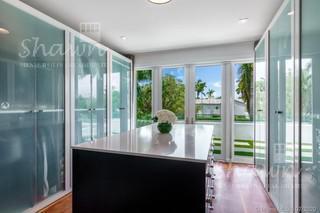 Foto Casa en Venta en  Miami Beach,  Miami-dade    327 E Rivo Alto, Miami Beach, FL 33139