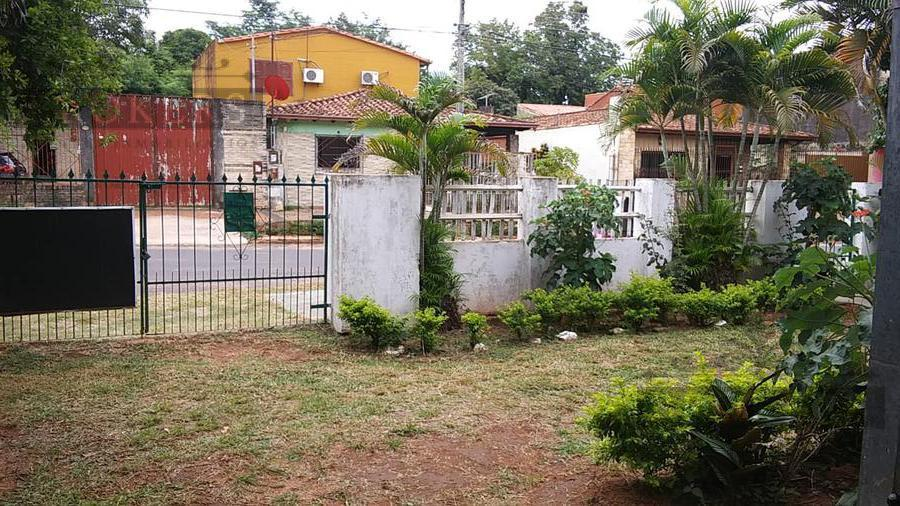 Foto Casa en Venta    en  San Lorenzo ,  Central  Vendo Casa En Barrio San Luis San Lorenzo a 400 mts de Ruta1