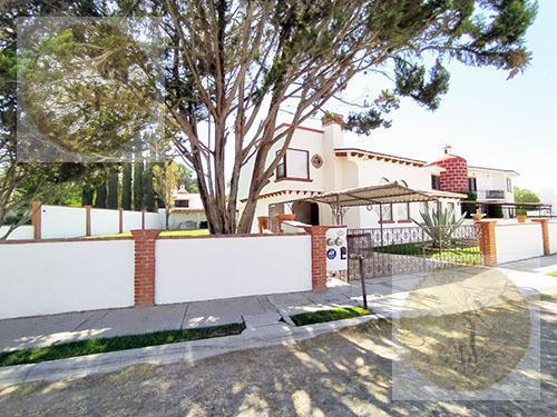 Foto Casa en Venta en  Fraccionamiento Club de Golf Tequisquiapan,  Tequisquiapan  Preciosa residencia con alberca equipada