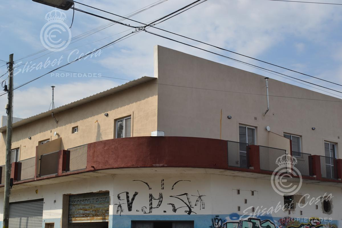 Foto Departamento en Alquiler en  Lanús Este,  Lanús          Sargento Cabral al 1300, Nº 2