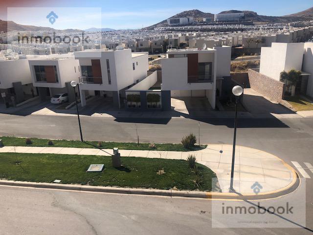 Foto Casa en Renta en  Fraccionamiento Encordadas del Valle,  Chihuahua  Casa en renta amueblada...Encordadas del valle