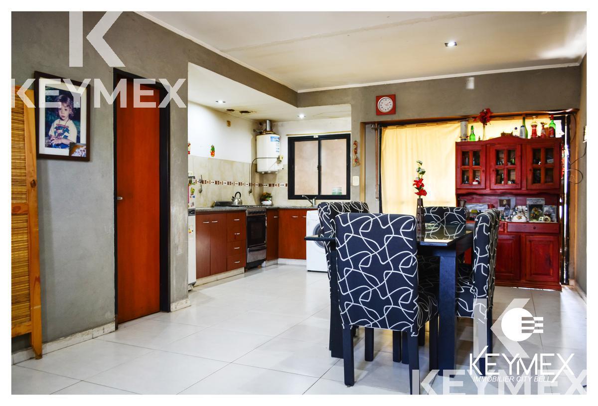 Foto Casa en Venta en  La Plata ,  G.B.A. Zona Sur  Calle 523 e/ 136 y 137, San Carlos, La Plata - DUPLEX EN VENTA
