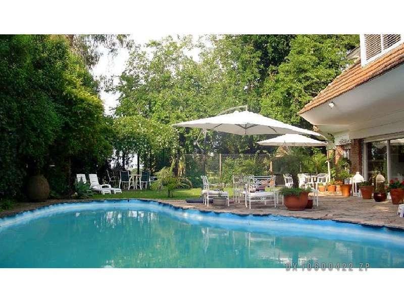 Foto Casa en Venta en  Acassuso,  San Isidro  Rivera Indarte 100