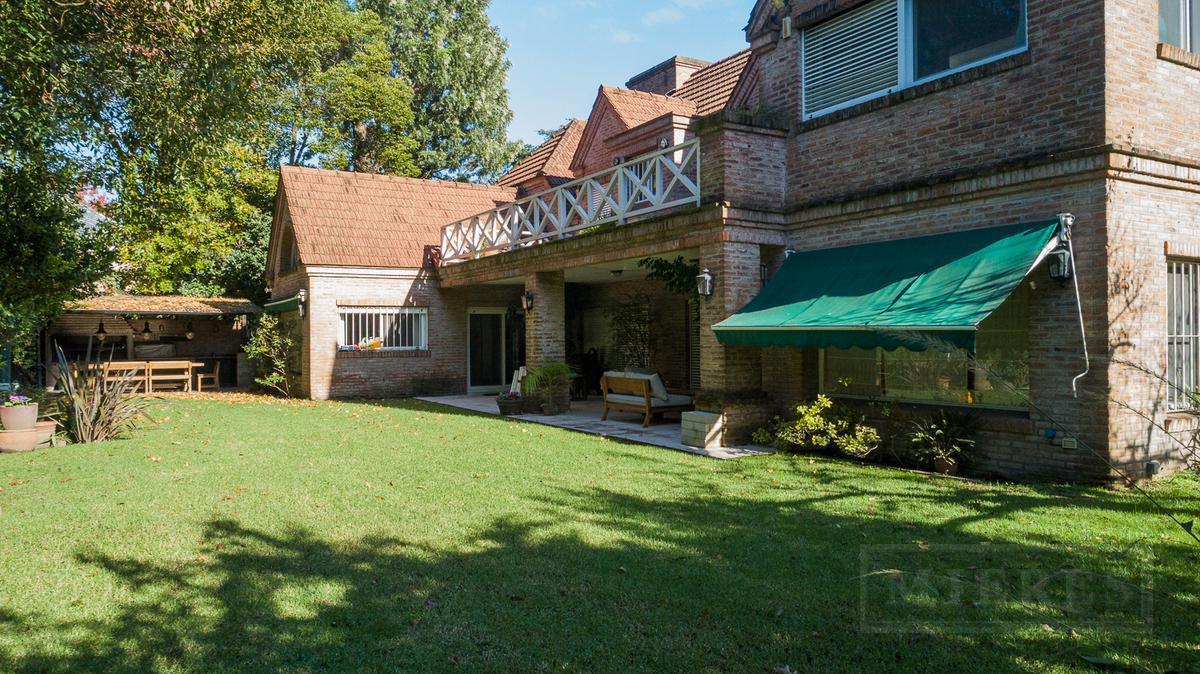 Excelente  Casa en venta en La Horqueta