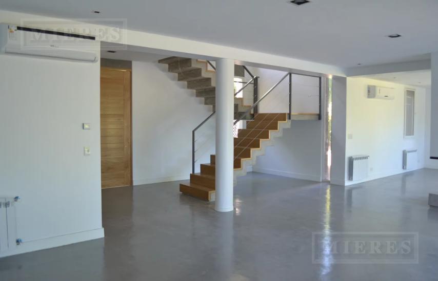 MIERES Propiedades- Casa de 500 mts en Carmel C.C