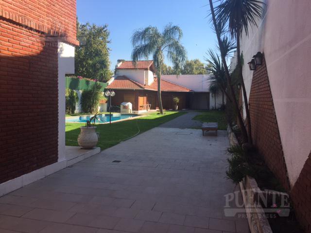 Foto Casa en Venta en  Lomas de Zamora Oeste,  Lomas De Zamora  San Martin  550