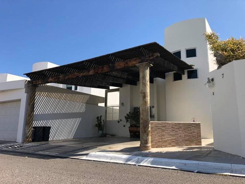 Foto Casa en Venta en  Barrio El Manglito,  La Paz  CASA 7 PRIVADA LAS PALMAS