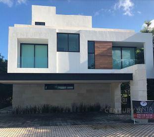 Foto Casa en Venta en  Benito Juárez ,  Quintana Roo  EN VENTA CASA EN ZONA HOTELERA DE CANCÚN - COUNTRY CLUB C2697