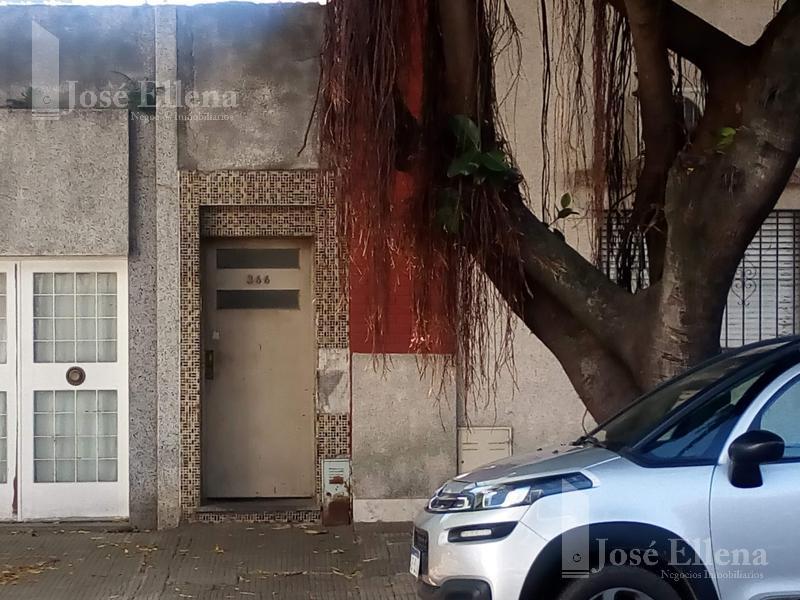 Foto Casa en Venta en  Macrocentro,  Rosario  Viamonte  al 300