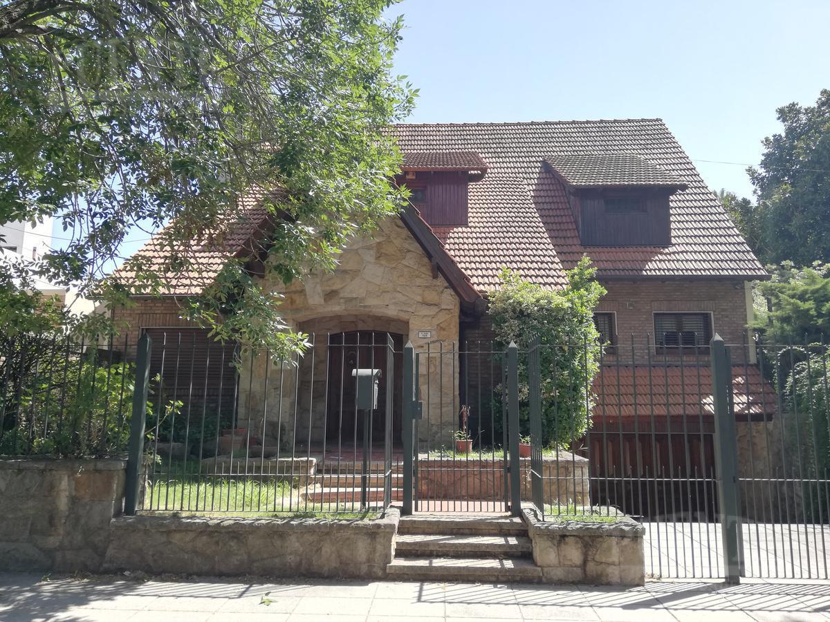 Foto Casa en Venta en  Banfield Oeste,  Banfield  Rodriguez Peña al 100