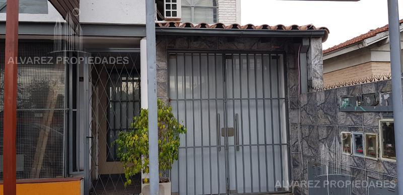 Foto PH en Alquiler en  Castelar,  Moron  arias al 2900